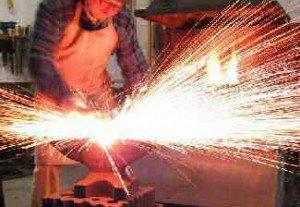 Як добути вогонь за допомогою каменів. Як розпалити багаття без сірників