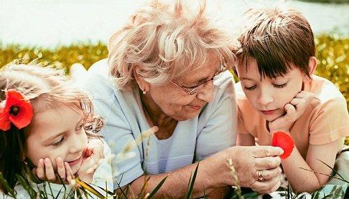 Часто сняться покійні родичі. До чого сняться померлі родичі? розшифровка по сонникам