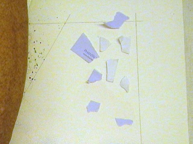 Ефект потекшего чорнила на друкованому тексті. Стильні акварельні стіни створення ефектів патьоків